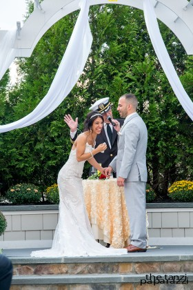 poughkeepsie-grand-hotel-wedding-laughter